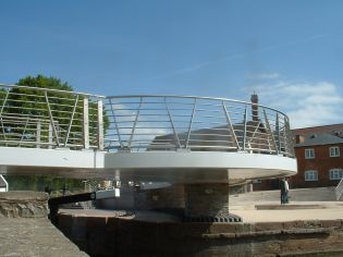 Bridge & viewing platform, Stratford on Avon